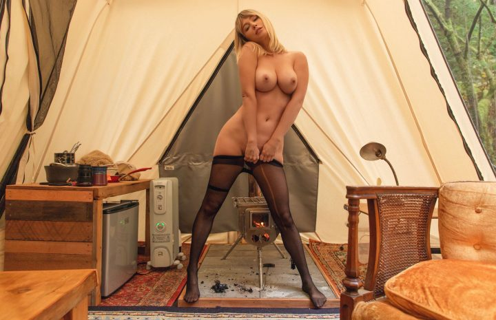 Sara Jean Underwood Pulls Down Her Pantyhose and Goes Topless