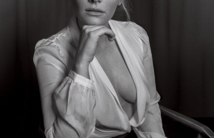 Stacked Redhead Bryce Dallas Howard Showing Her Cleavage in B&W