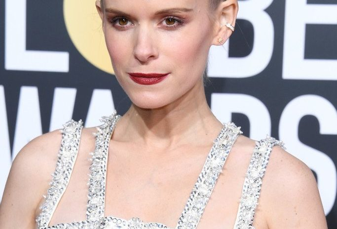 Pregnant Kate Mara Shows Her Hot Body on the Red Carpet