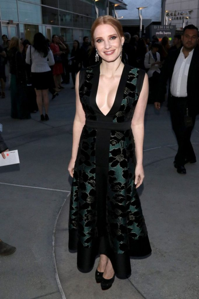 Redheaded Actress Jessica Chastain Shows Her Awesome Rack