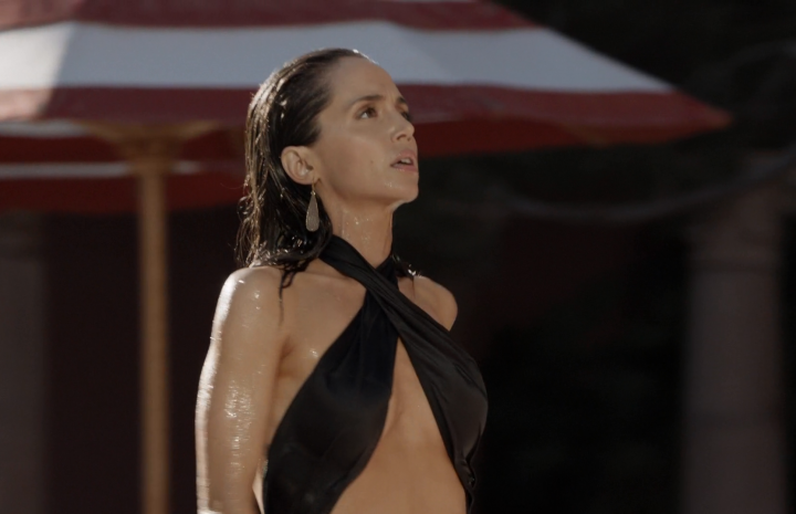 MILF Brunette Eliza Dushku Showing Her Cleavage in a Slutty Swimsuit (and More!)