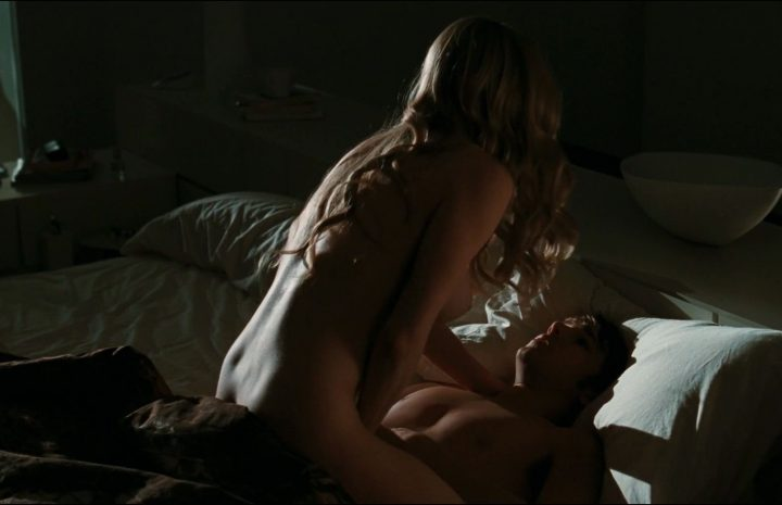 Julianne Moore and Amanda Seyfried Fuck Each Other Like Crazy