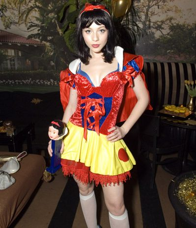 This Just In: Michelle Trachtenberg is the Sexiest Snow White Ever