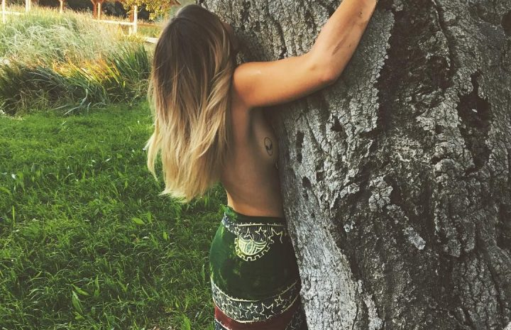 Paris Jackson Poses Topless and Hugs a Tree (4 Very Liberating Pics in HQ)