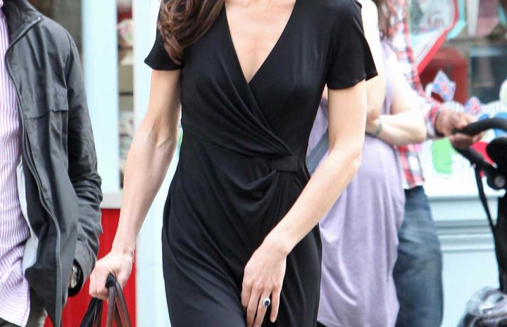 Kate Middleton's Cleavage Looks Royally Sexy in a Black Dress