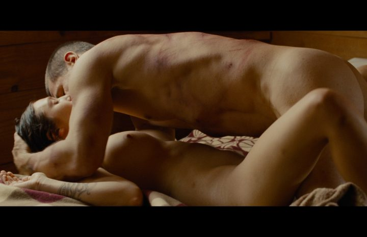 Naked Elizabeth Olsen Screencaps from Oldboy [25 Pictures in High Quality]