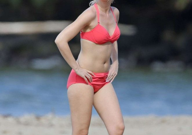 Anna Camp Living It Up in Hawaii, Wearing a Revealing Piece of Swimwear