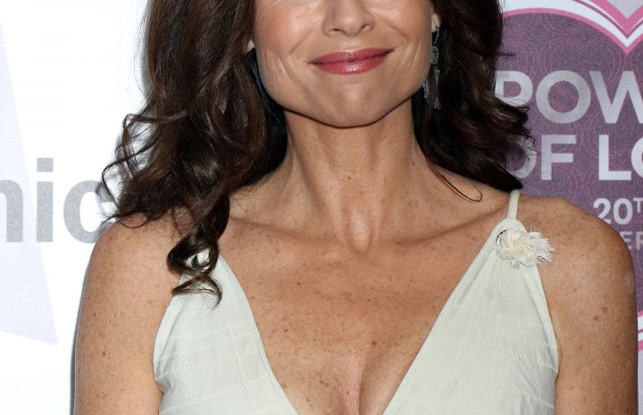 Proud MILF Minnie Driver Displaying Cleavage During the Latest Public Appearance