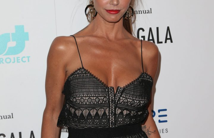 Tanned Seductress Charisma Carpenter Showing Her MILF Boobies in HQ