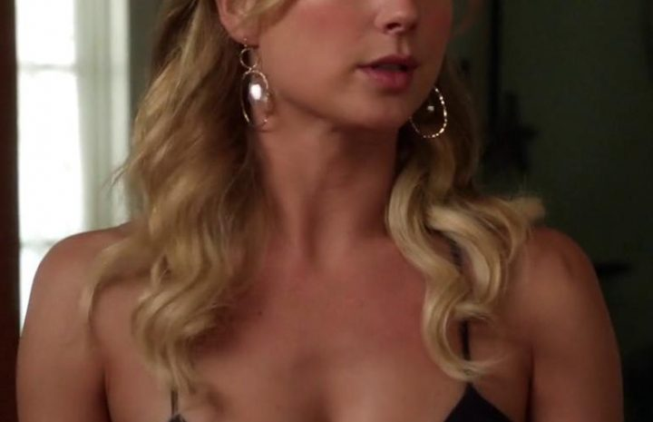 Cute Blonde Emily VanCamp Teasing with Her Ample Cleavage in Hot Screencaps