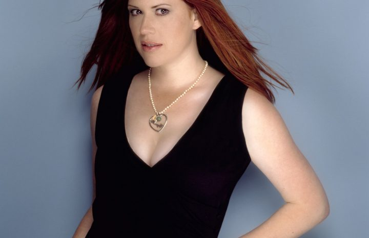 Mature Hottie Molly Ringwald Proudly Displaying Her Awesome Cleavage