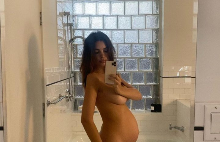 Pregnant Emily Ratajkowski Showing Her Enviable Body in the Nude