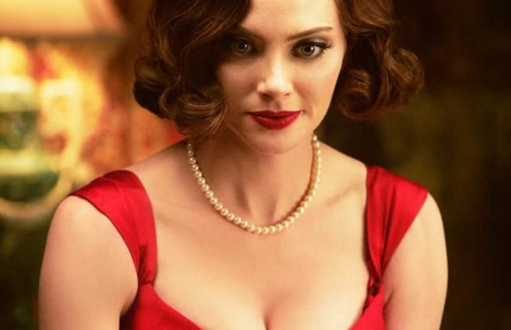 Shameless April Bowlby Demonstrating Her Boobies and Being Hot AF Too