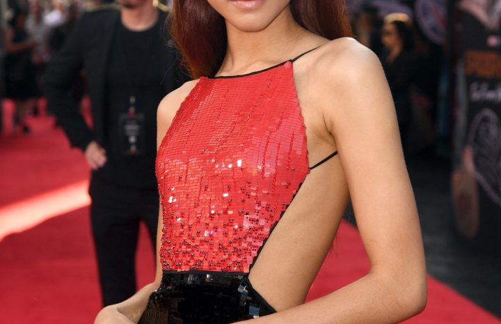Long-Legged Brunette Zendaya Showing Her Perfectly Slim Body on the Red Carpet