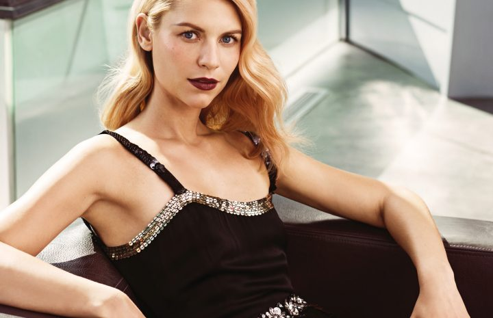 Immaculately Fashionable and Sophisticated Claire Danes Shows Cleavage