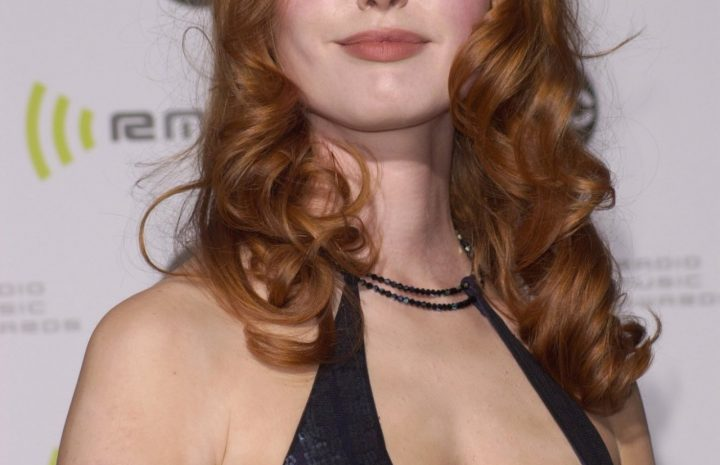 Chesty Alicia Witt Looks Hot as Fuck in a Revealing Black Dress
