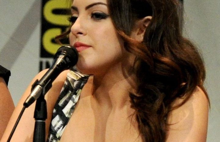Seductive Elizabeth Gillies Displaying Her Beautiful Bobos in a Snug Outfit