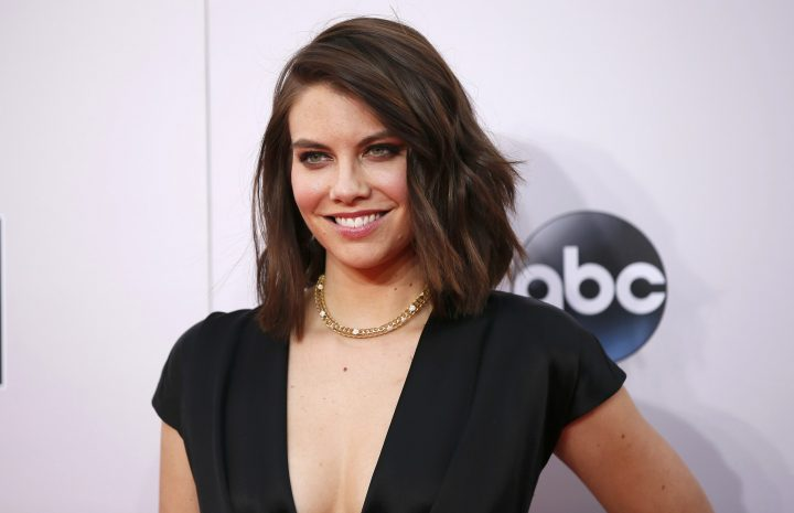 Leggy Stunner Lauren Cohan Displaying Her Appealing Body for the Cam